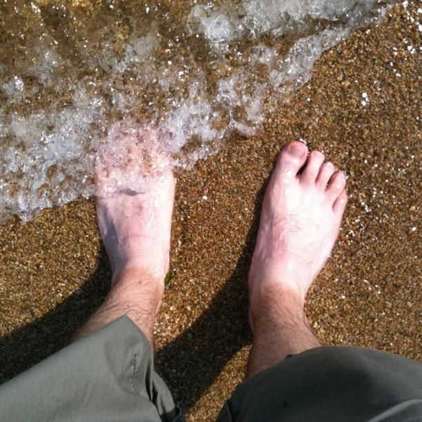 Comme moi et l'art contemporain on est fâché… J'en est profiter pour sortir mes pieds des chaussures ;-)