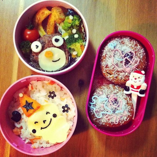 Bento spécial Noël pour la p'tite aujourd'hui ! Demain c'est férié au Japon ;-)