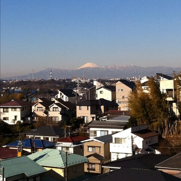 #FujiReport : Ciel bleu dégagé, air sec visibilité 90%, et enneigement 100%. Parfaites conditions pour des photos du Fuji san !