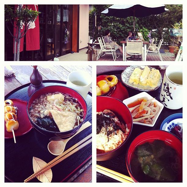 Pause déjeuner en terrasse, pour se faire un Kamakura relaxe loin des gros spots touristiques ;)