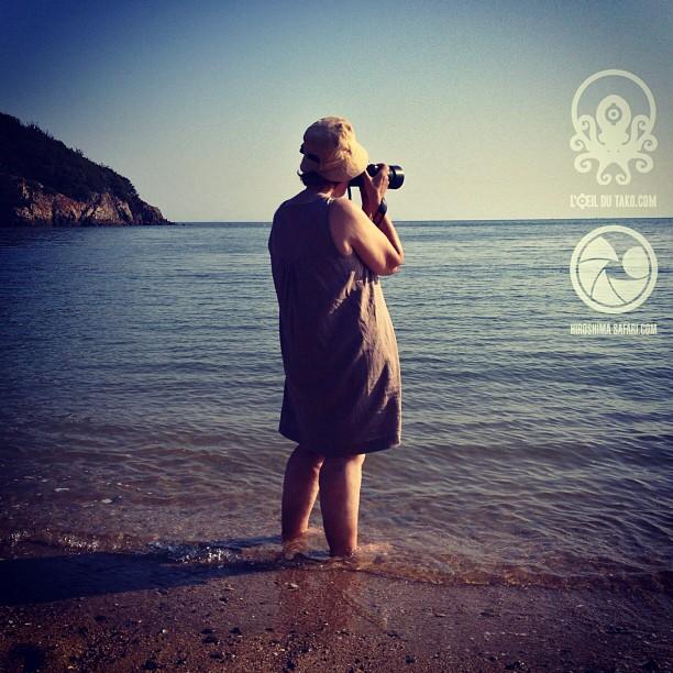 La safariste du jour, les pieds dans l'eau :D