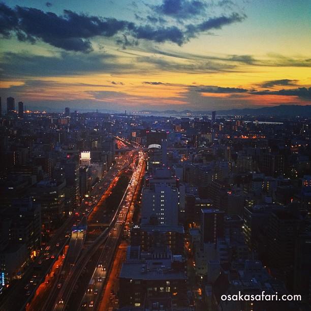 Les grandes villes japonaises sont toujours impressionnantes de nuit