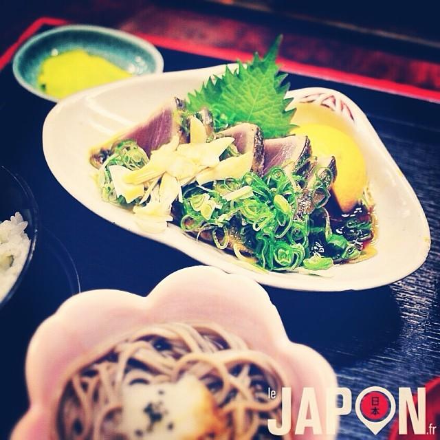 À Kochi on peut manger un des meilleurs Katsuo Tataki du Japon (bonite légèrement grillée) ! Miam :)