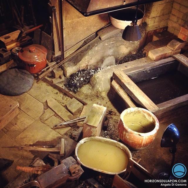Tournage : immersion dans l'atelier d'un maître forgeron de couteau traditionnel japonais