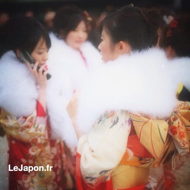 Aujourd'hui c'était Seijin Shiki : passage à l'âge adulte ! Plein de jeunes japonais et japonaises de 20 ans en kimono ! #seijinshiki