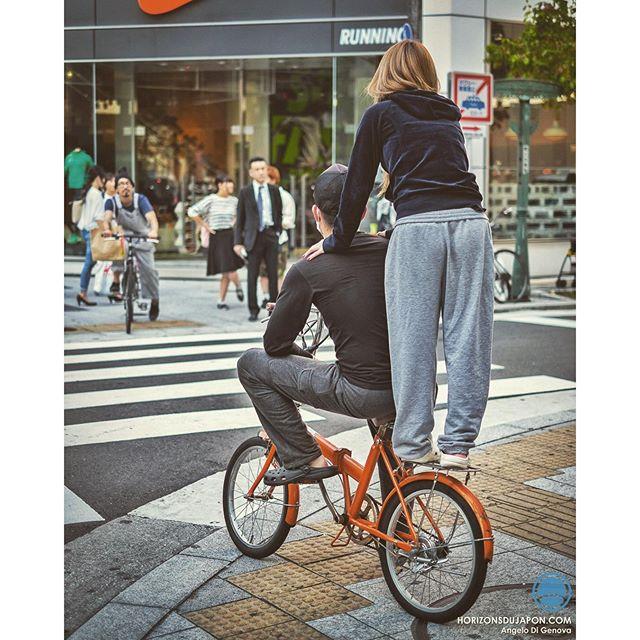 Un tandem à vélo illégal mais qu'on observe encore parfois