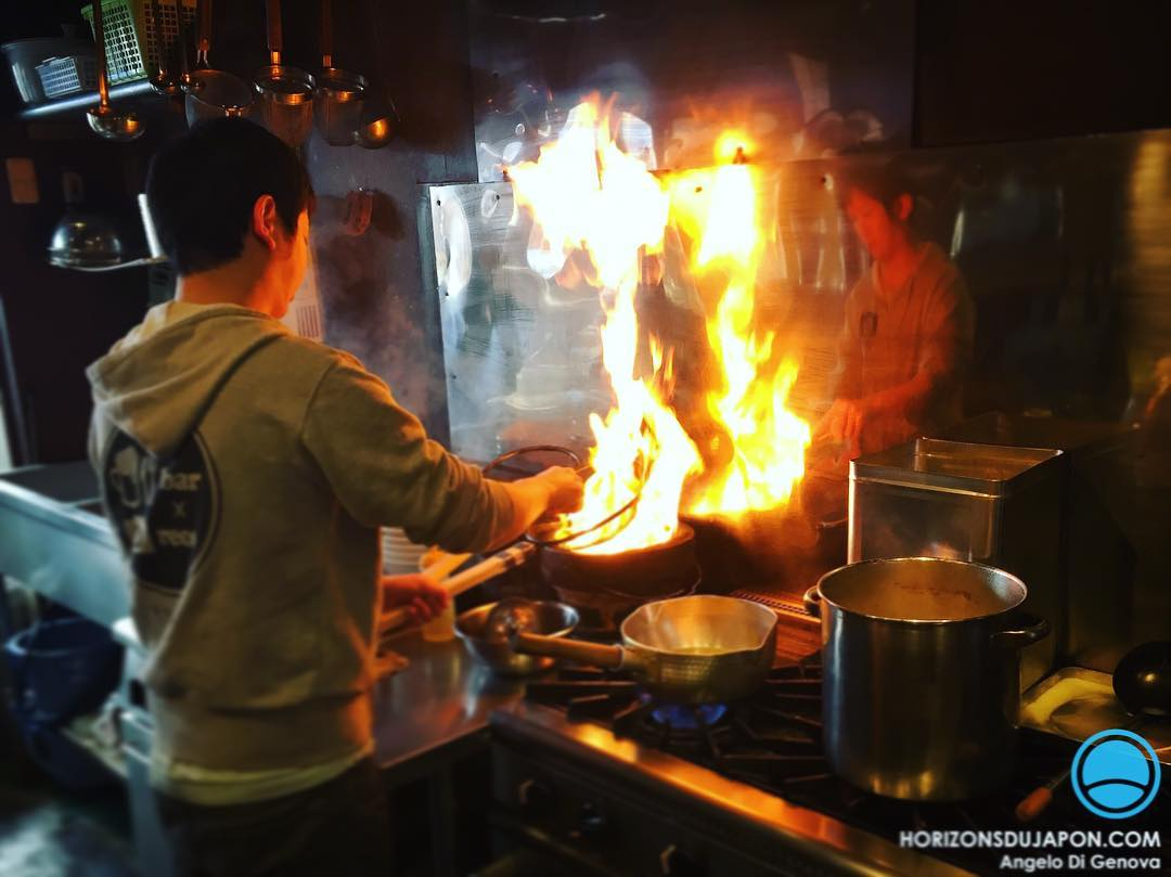La cuisine c'est parfois un spectacle #japonsafari #osakasafari #iphone6