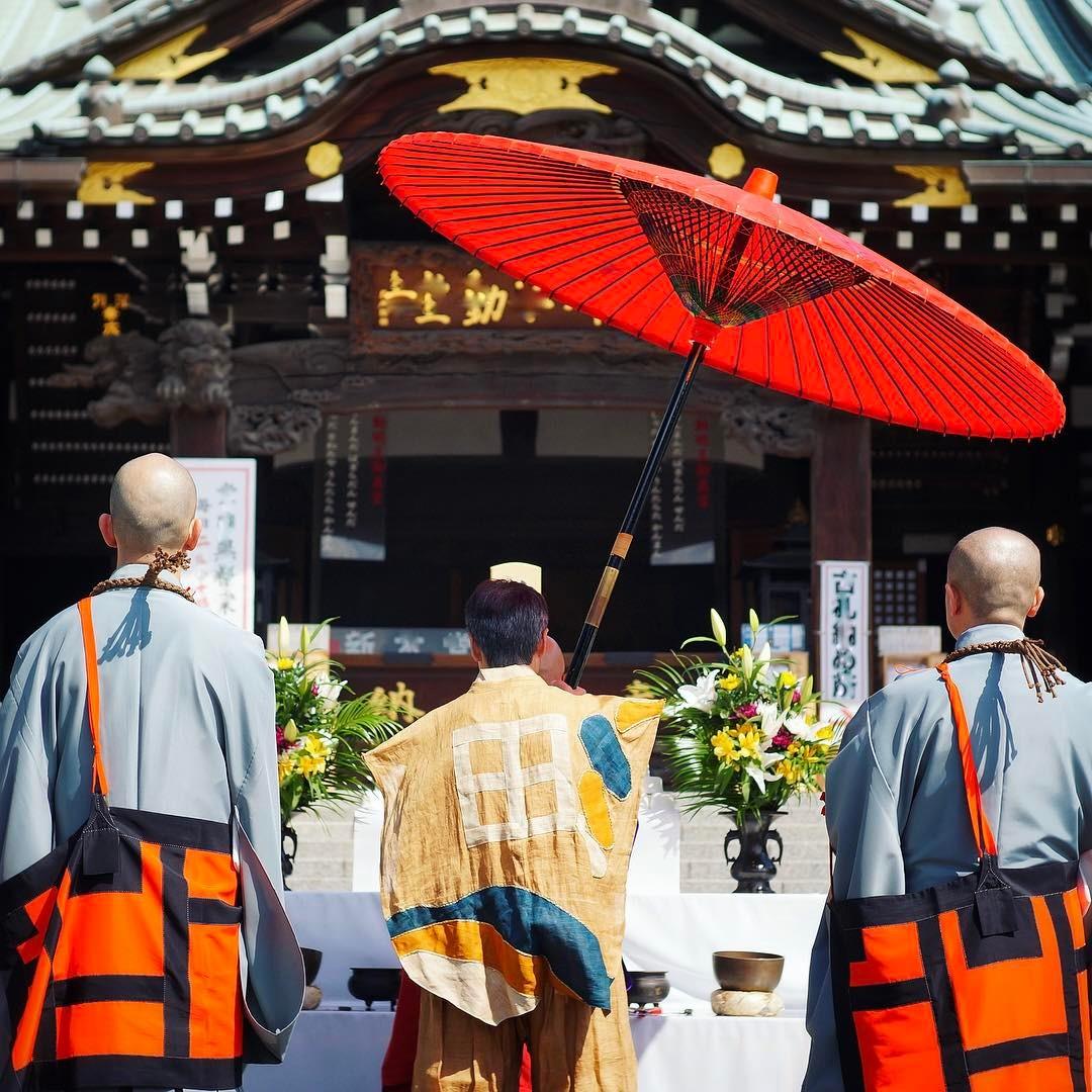 Cérémonie bouddhiste hier pour le repos de l'âme des victimes du tsunami du 11 Mars 2011