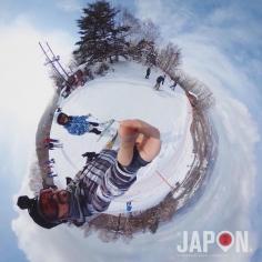 Difficile d'imaginer que pendant que les cerisiers fleurissent à Tokyo on peut faire du ski «juste à côté» dans la montagne… et pourtant…🚄❄️❄️❄️⛷ #kusatsu