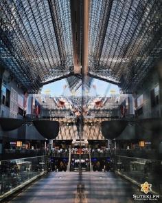 En double, le hall de la gare est encore plus impressionnant #japon #kyoto #kyotosafari