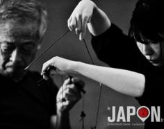 «The puppets masters !» Bunraku, le théâtre de marionnettes japonaises 🎎 J'avais commencé ma série sur Izumo avec du noir & blanc… je fini avec du noir& blanc ! J'espère que ca vous a bien plu… n'hésitez pas à me laisser un commentaire pour m'encourager à faire des reportages dans des coins reculés du Japon 😘 #izumo #izumoexperience