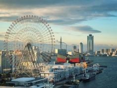 Tempozan dans le port d'Osaka avec ses espaces de loisirs