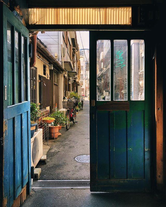 Ouvrir des portes cachées, amener les voyageurs à arpenter de nouveaux chemins sur leur vision du Japon et faire des rencontres sont les choses qui me passionnent le plus dans mon travail quotidien d'accompagnateur.  C'est une vocation !  Merci à @frenchynipp0n pour la découverte :)