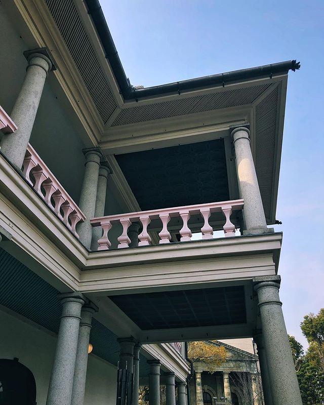 - Senpukan à Osaka –  L'Empereur Meiji a séjourné ici en 1871. Je trouve ces bâtiments de style occidental toujours intéressants à observer au Japon.