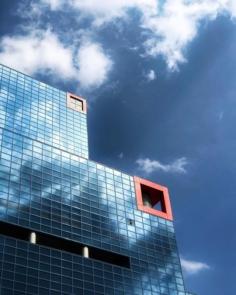 La chaîne de télé locale Kansai TV et son architecture particulière  #osakasafari #japonsafari  #osaka🇯🇵 #大阪 #大阪観光 #discoverosaka  #関テレ