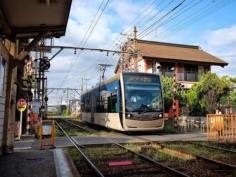 Les rames modernes du tram de la Hankai, dans le sud d'Osaka #osakasafari #japonsafarai #discoverosaka