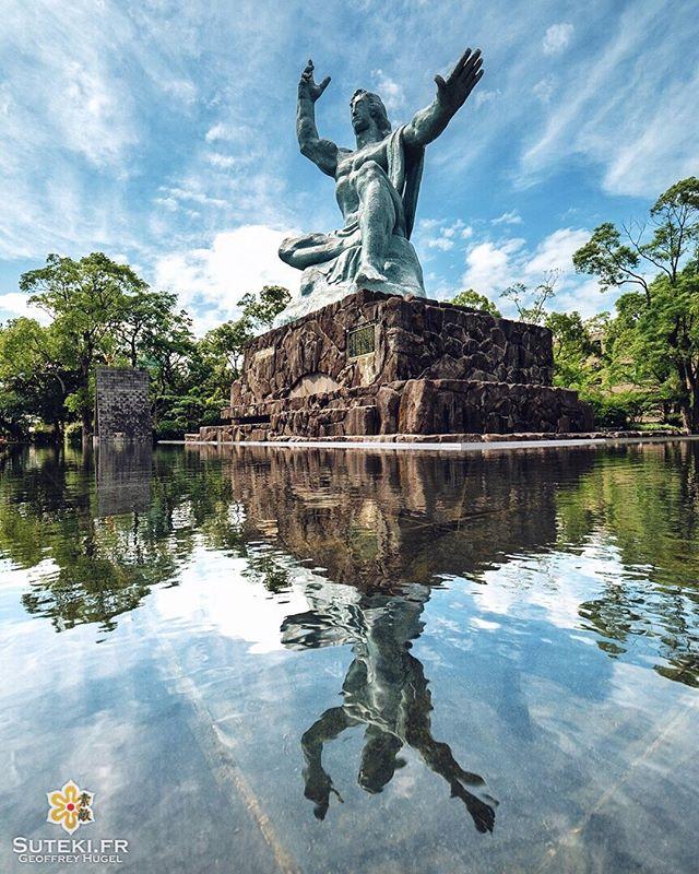 Bienvenue à Nagasaki !  Après une longue absence, il était temps de mettre quelques nouvelles photos sur le profil !  Et pour recommencer, j'ai décidé de vous écouter suite à mon dernier sondage en stories, et de vous emmener dans une de mes villes coup de cœur !  J'y ai passé 3 jours l'an dernier et j'ai vraiment adoré ce que j'y ai trouvé !! Et vous, êtes-vous déjà allés à Nagasaki ? . . . . . #japanfocus #japantravel #japan_vacations #visitnagasaki #ilovejapan #ilovenagasaki #art_of_japan_ #japanawaits #super_japan_channel #visitjapanjp #igersjp #igersjapan #Lovers_Nippon #explorejapan #explorejpn #bestjapanpics #discoverjapan #discovernagasaki #olympuscamera #olympusphotography #getolympus #olympusinspired #reflection_shots #reflection_stories #長崎 #長崎旅行 #長崎観光 #日本を休もう #そうだ長崎行こう #日本旅行