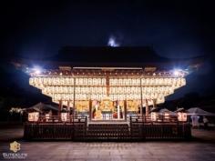 Les trois mikoshi du Gion Matsuri sous la lueur des trois lunes  Avez-vous déjà assisté à l'un des événements de ce festival ? . . . . . #kyotojapan #kyotogram #kyotolove #japanfocus #japantravel #japanesetemple #gionmatsuri #japan_vacations #explorejapan #explorejpn #beautifulkyoto #ilovekyoto #ilovejapan  #art_of_japan_ #japanawaits #bestjapanpics #super_japan_channel #photo_jpn #visitjapanjp #wu_japan #igersjp  #discoverjapan #discoverkyoto #そうだ京都行こう #京都 #京都旅 #京都好き #日本を休もう #京都カメラ部