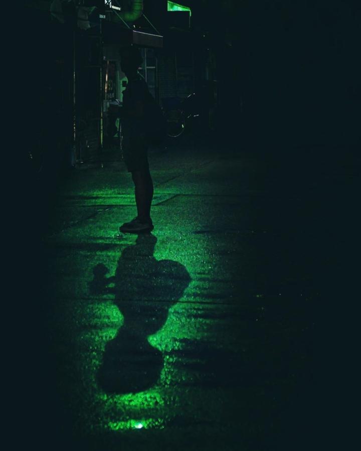 La lumière dans la nuit qui indique où trouver @zavipics 😜