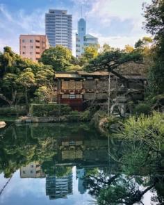Kobe revêt de nombreux visages. C'est ce qu'on essaie de montrer dans les balades que nous organisons là-bas. #japonsafari #kobesafari #discoverkobe