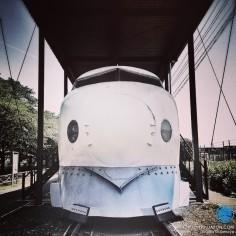 Face à face avec un Shinkansen Série 0