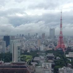 Tokyo Tower ! Pas si mal la saison des pluies ; ) #Tokyo #Japan #Japon #TokyoSafari #TokyoTower
