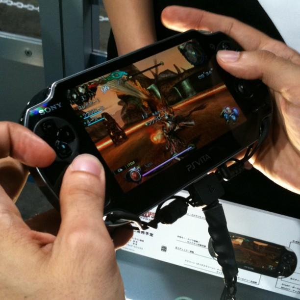 Sony PSVita testée… et je peux vous dire que c'est comme une PS3 dans le creux de la main !