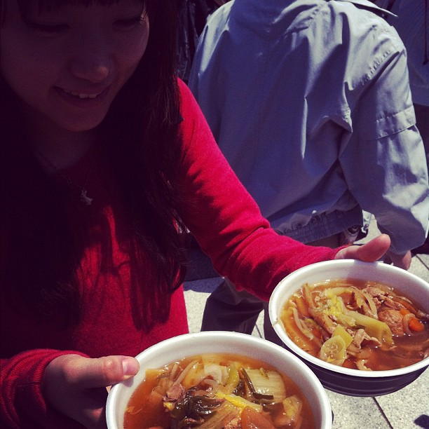 Aujourd'hui un repas de Sumo fait par des Sumo au Ryogoku et pour seulement 500¥