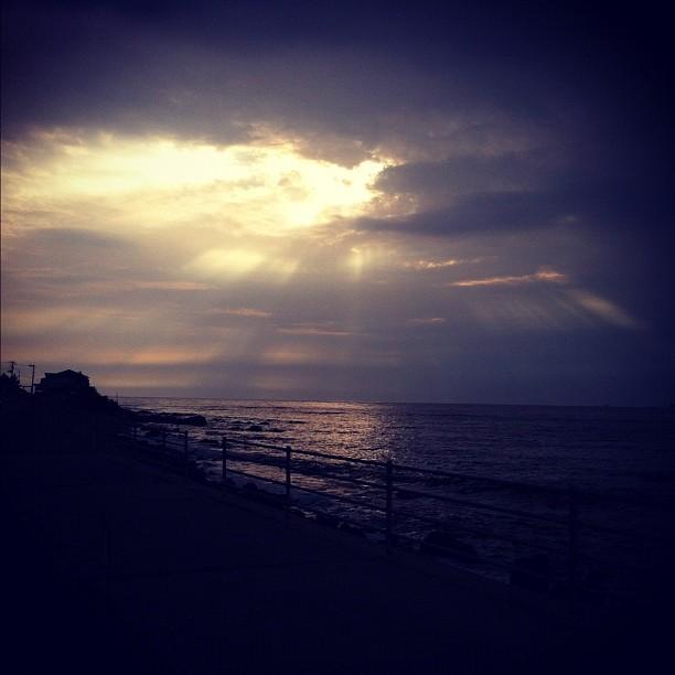 Encore un superbe soleil couchant cette fois vu de l'île Sado