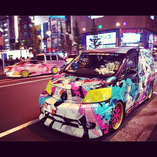Le week-end les Itasha sont de sortie à Akihabara !