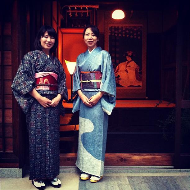 Rencontre avec Aemi chan et Kanae chan pour un thé mâcha en plein Tokyo !