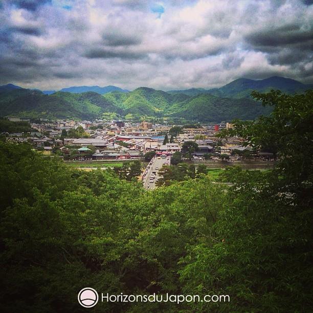 Vue aérienne sur le pont Togetsukyo à Arashiyama