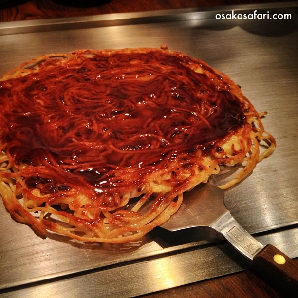 Il va me falloir encore du temps pour goûter toutes les variantes de l'Okonomiyaki à Osaka :)