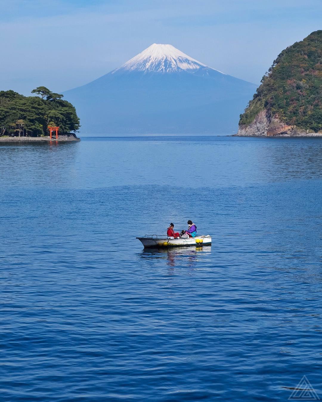 Allez une dernière pour la route, après je ne vous embête plus avec le mont Fuji :)