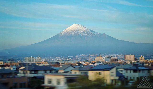 Le Fuji depuis le shinkansen il y a quelques minutes