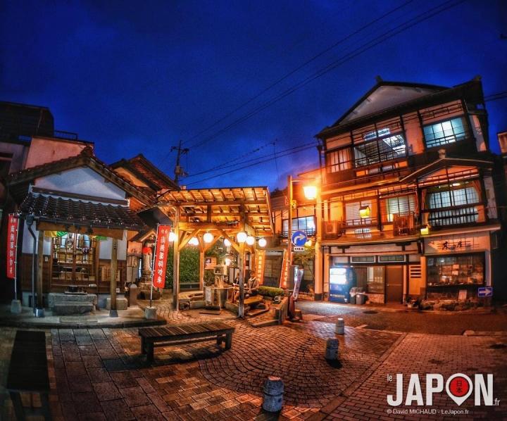 À Misasa Onsen j'ai dormi au Kiya Ryokan ! Étonnant et joli ryokan familiale de 1868 (!) à l'intérieur labyrinthique 😳#SaninAdventure