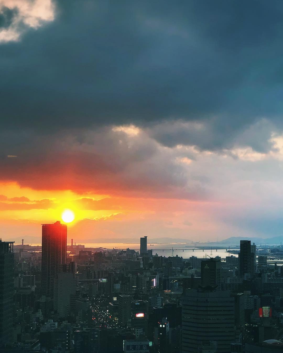 Le coucher de soleil d'hier soir était plutôt chouette :) #osakasafari #osaka #japonsafari