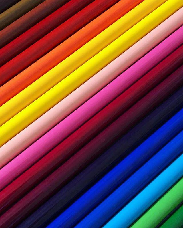 Avoir des enfants ça apporte tellement de couleur dans ta vie !  Saurez-vous deviner ce qui figure sur cette photo ? Personnellement j'ai toujours trouvé ça captivant pour le regard.