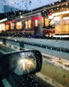On continue sous la pluie